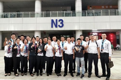 七个日与夜的拼搏:重庆车展格邦团队.jpg